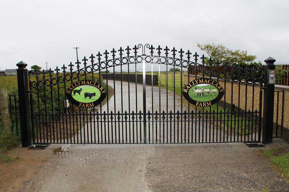 Bespoke gates with sign